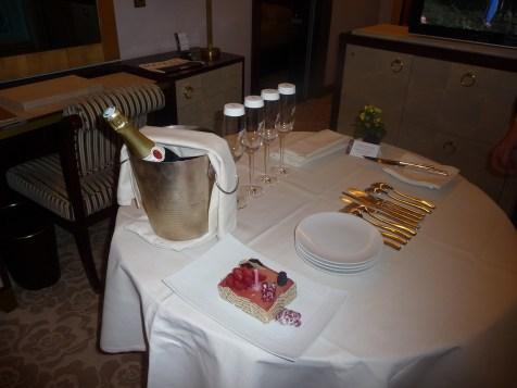 Fouquet's Paris Barriere - Junior Suite Champs-Elysees champagne