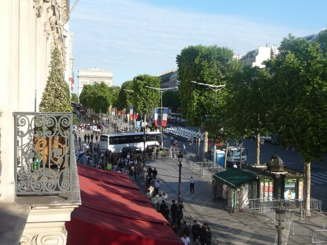 Fouquet's Paris Barriere - Junior Suite Champs-Elysees view