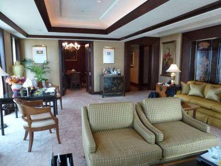 Peninsula Bangkok - Terrace Suite living room 2