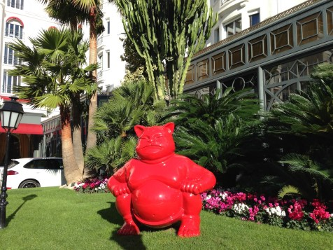 Majestic Barriere Cannes - Entrance garden