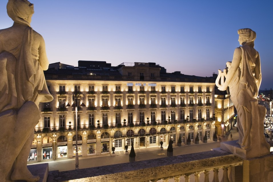 Grand Hotel Bordeaux - by night