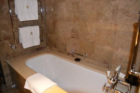 The Halkin Belgravia Suite - Bathroom
