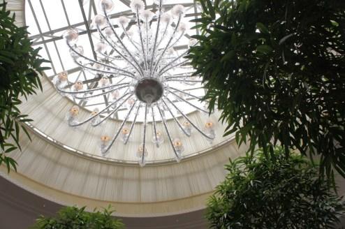 Shangri-La Paris - La Bauhinia ceiling chandelier