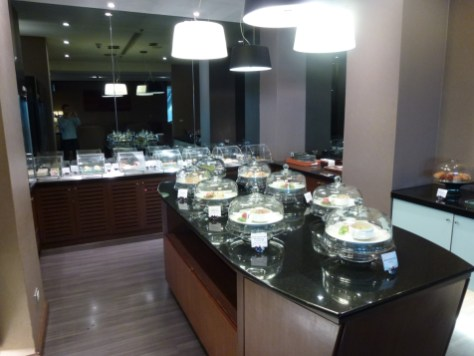 Royal First Class Lounge - Dining