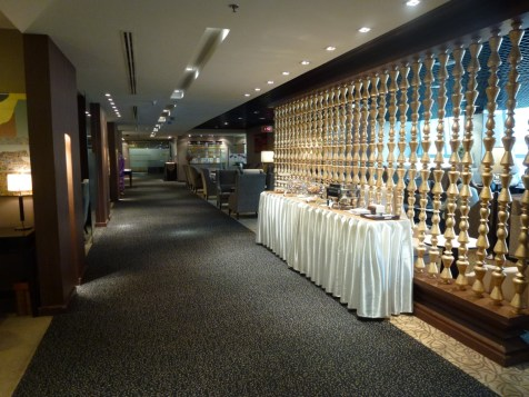 Royal First Class Lounge - Corridor