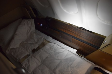 Etihad Airways Diamond First Class - Suite bed 3