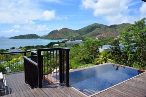 Seychelles - Raffles Praslin pool terrace