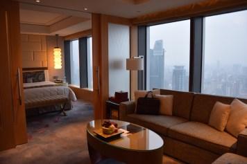 Jing An Shangri-La - Grand Premier Room living room