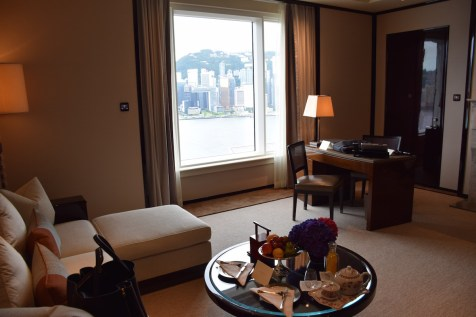 Peninsula Hong Kong - Deluxe Harbour View Suite living room