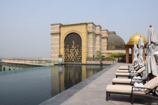 Leela Palace New Delhi - Rooftop infinity pool 3