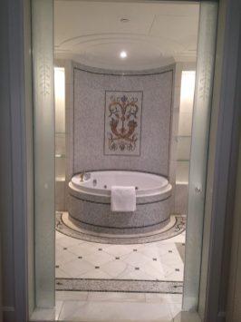 Palazzo Versace Dubai - Residence suite bathroom