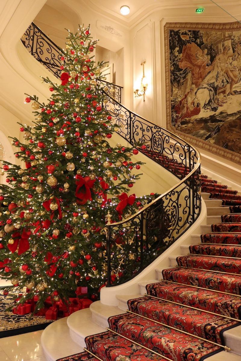 Main classic stairs