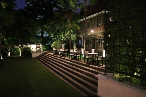 Chon Thai Restaurant by night - The Siam Hotel