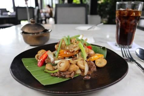 """""""Nua phad nahm mun hoi"""" at Chon Thai restaurant - The Siam Hotel"""