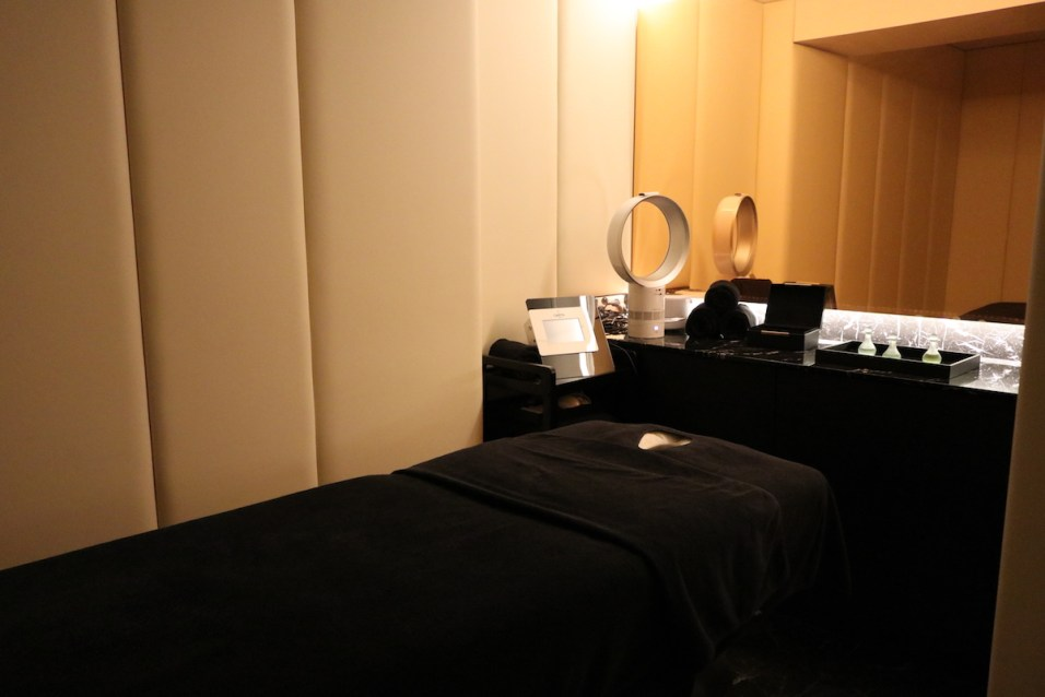 Le Narcisse Blanc - Massage room