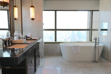 Premier Deluxe Room - Bathroom
