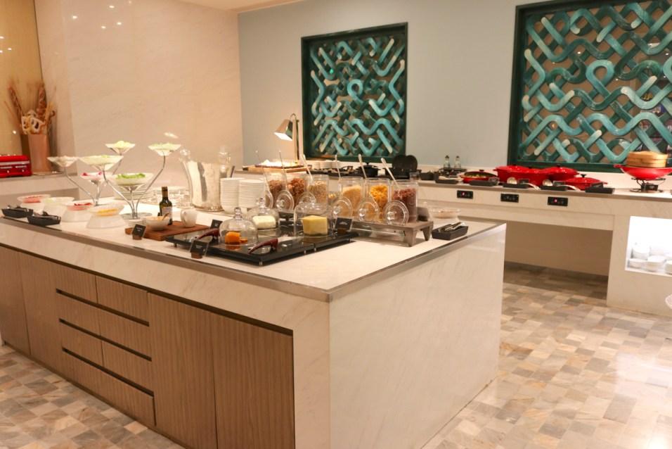 Buffet breakfast at Jing