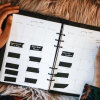 How I Stay Organized + My Cloth & Paper Agenda Setup