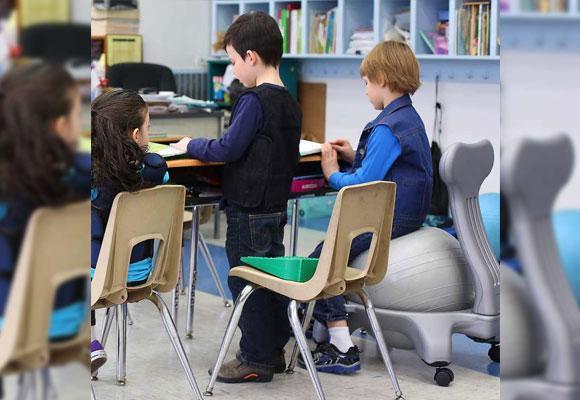 Hiperactividad la silla que ayuda a centrarse the for Sillas para ninos de preescolar
