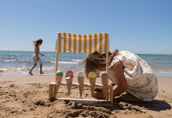 Juguetes de maera para la playa. Compra aquí