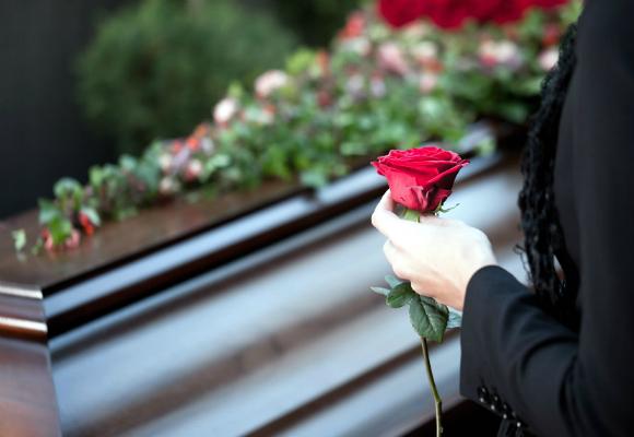 funeral-rosa-ataud