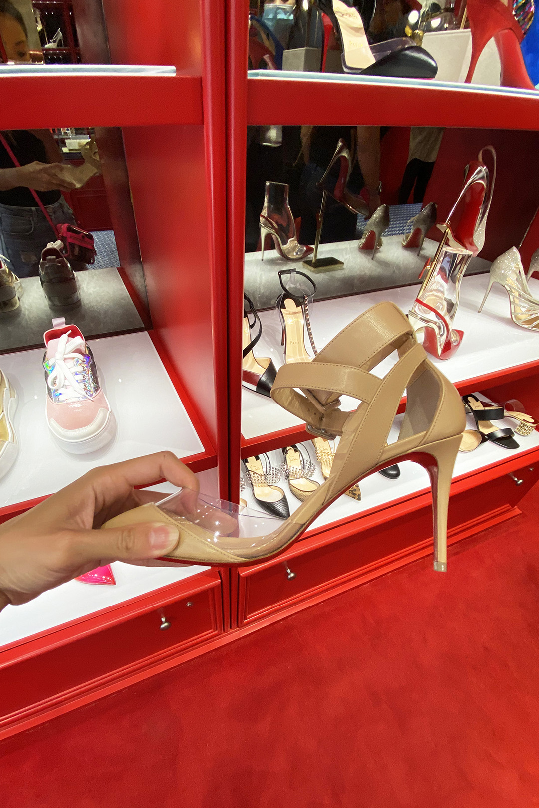 Christian Louboutin Outlet Women's Heels (The Luxury Lowdown Blog)