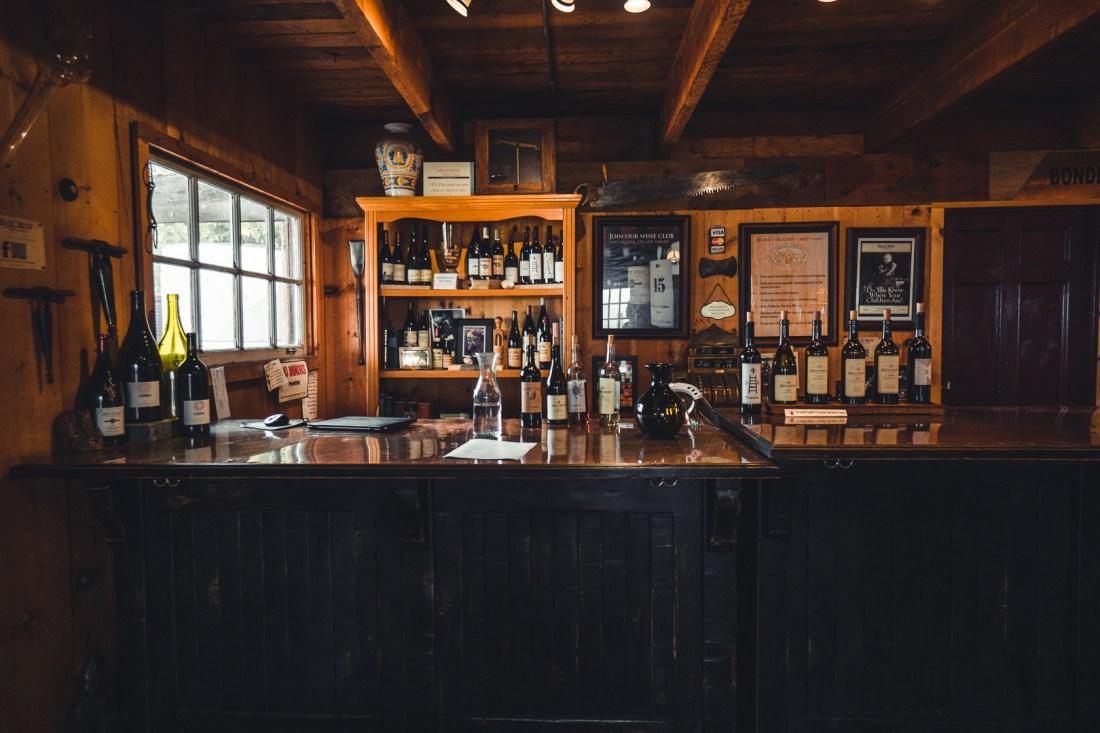 HillCrest Vineyards Inside Bar