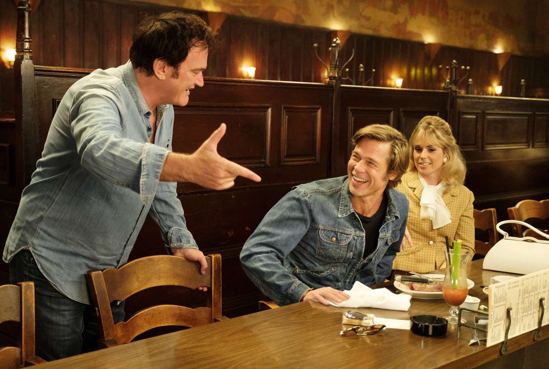 once upon a time in hollywood brad pitt quentin tarantino margot robbie leonardo dicaprio al pacino film c'era una volta a hollywood