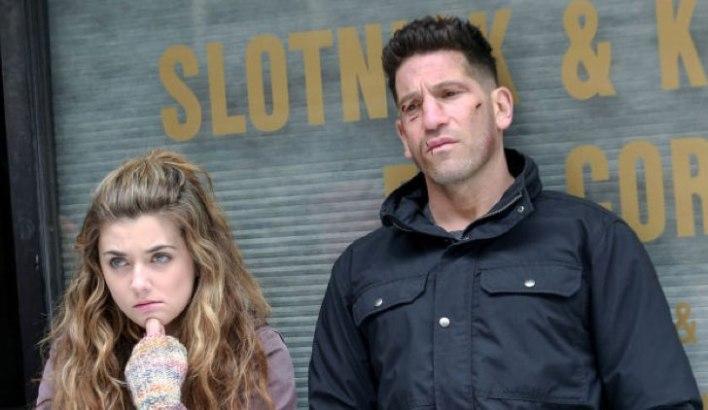 Amy Bendix (Giorgia Whigham) e Frank Castle