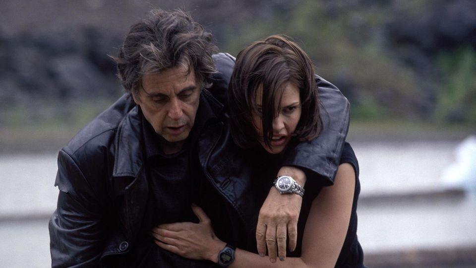 Will Dormer (Al Pacino) e Ellie Burr (Hilary Swank)