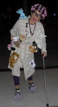 DIY Simpsons Crazy Cat Lady Costume | maskerix.com
