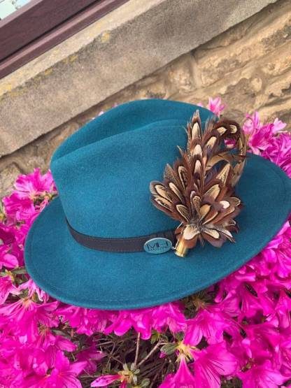 Hats Caps Fedoras & Accessories