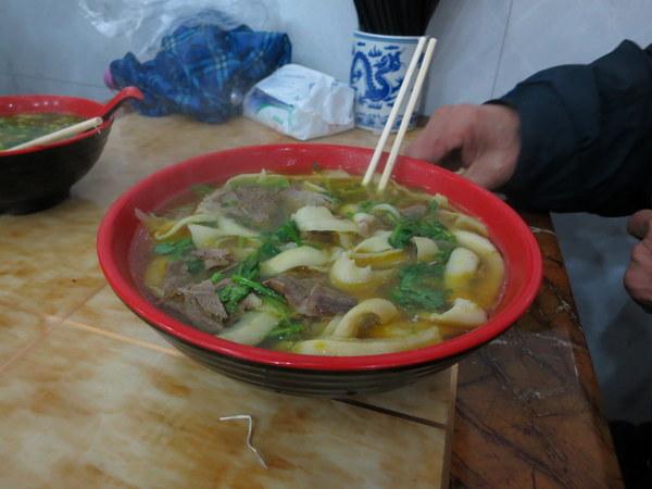 shanghai-noodle-shop-soup