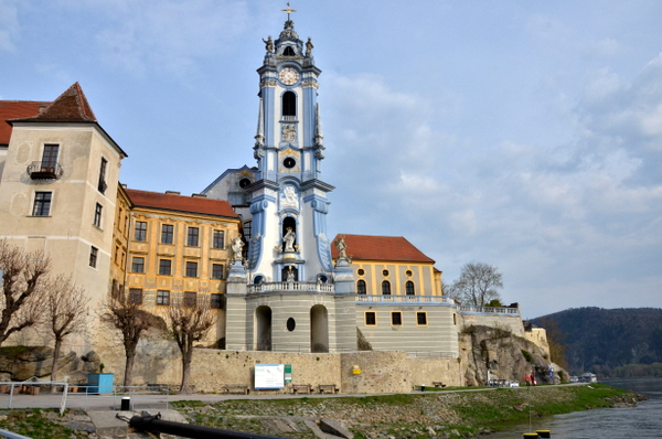 danube-river-biking-durnstein-church