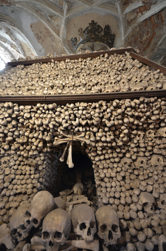 bone-church-sedlec-ossuary-014