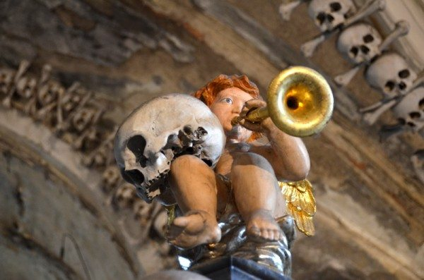 bone-church-sedlec-ossuary-015