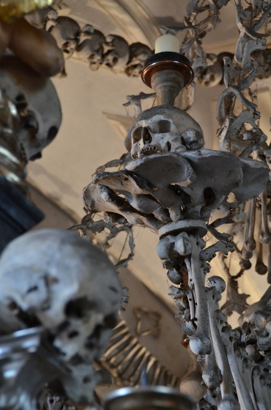 bone-church-sedlec-ossuary-017