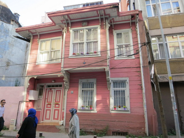 pink-ottoman-house-fatih-istanbul