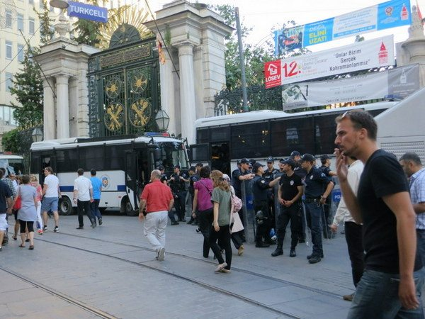 istanbul-police-riots