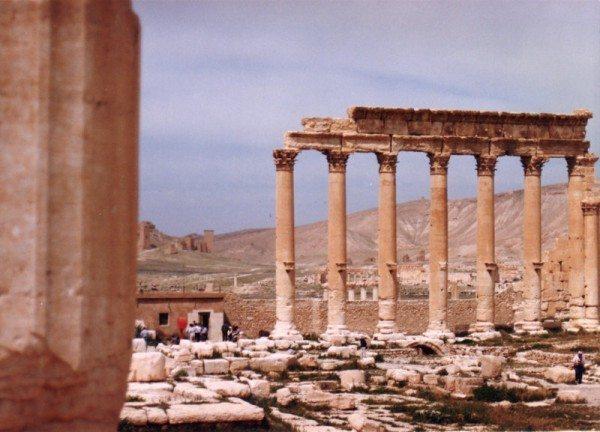 palmyra-syria-ruins-002