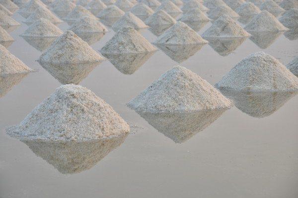 salt-pans-petchaburi-thailand-012