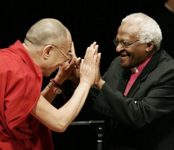 The Dali Lama & Archbishop Desmond Tutu - A hi-5 of a lifetime!