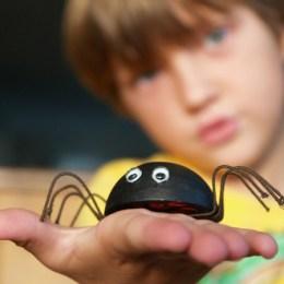 Make a Black Widow Spider for Halloween