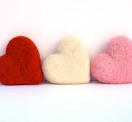 Needle Felting Tutorial :: Felted Hearts