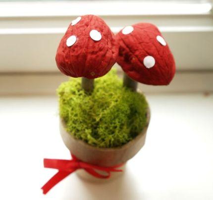 Magic Craft Box Craft : Autumn : Magic Toadstools : www.theMagicOnions.com