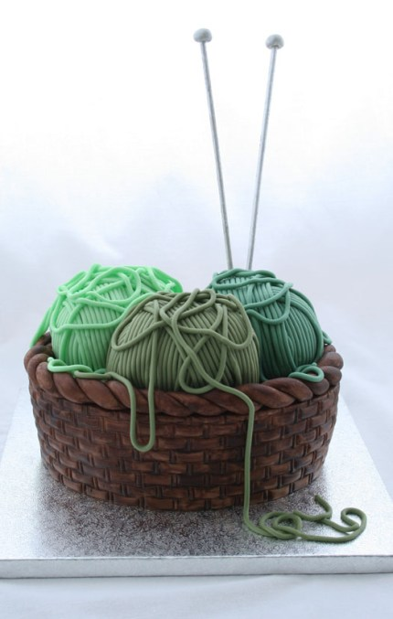 Yarn Birthday Cake : www.theMagicOnions.com