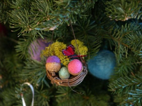 Needle Felted Nest Ornament : www.theMagicOnions.com