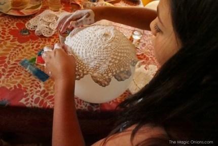 Make a crocheted lace bowl : The Magic Onions : www.theMagicOnions.com