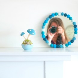 Tutorail : Felted Ball Mirror