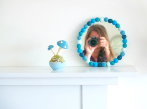 Felted Ball Mirror Tutorial : www.TheMagicOnions.com